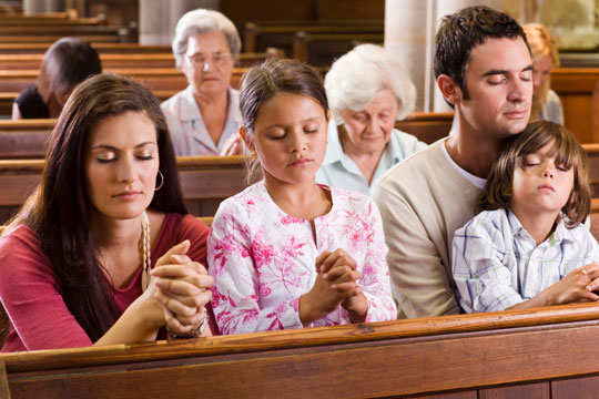 people-praying-in-church_Christians